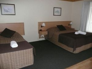 Black Gold Country Cabins - Geraldton Accommodation