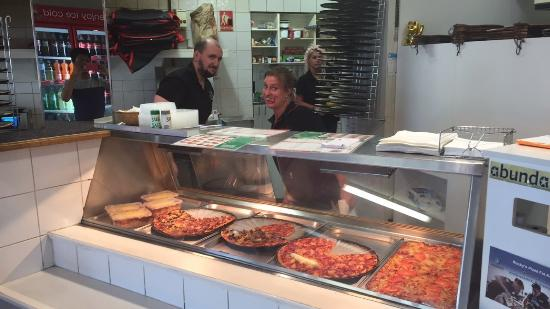 Rocky's Pizza - Geraldton Accommodation