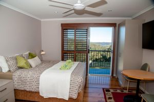 Sinclairs Country Retreat - Geraldton Accommodation