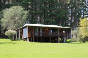Hawke Brook Chalets - Geraldton Accommodation