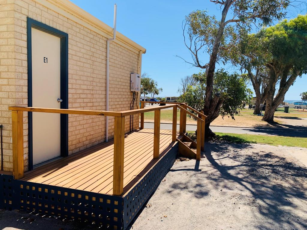 Sunset Beach Holiday Park - Geraldton Accommodation