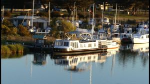 Swamp Fox luxury 2BR Dutch Barge - Geraldton Accommodation